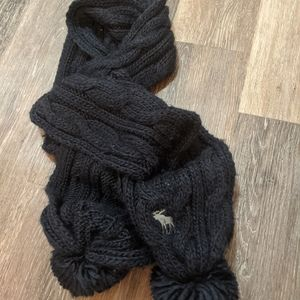 Abercrombie and Fitch Pom Scarf